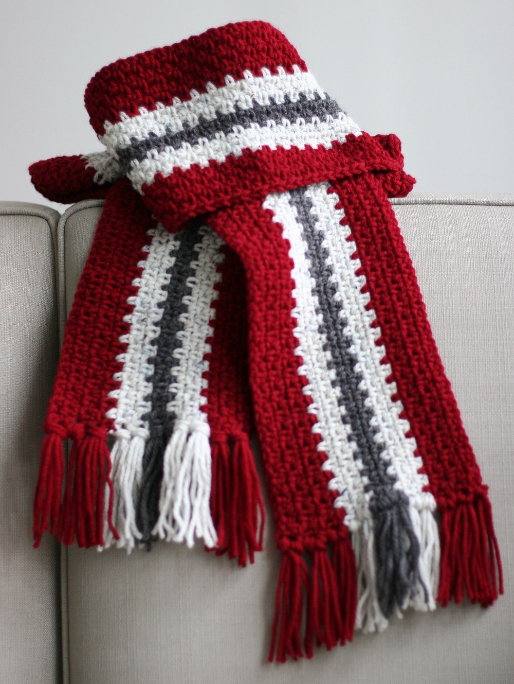Crocheted Men&#039;s Stripe Scarf
